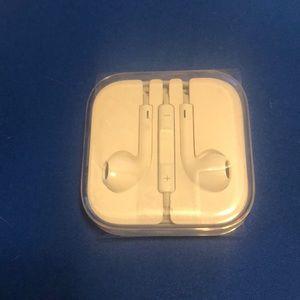 Apple ear buds